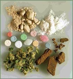 Drugs22-2
