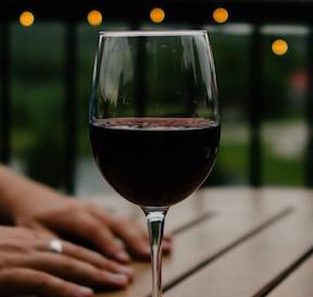 wine-690299-min-1080x675.jpg